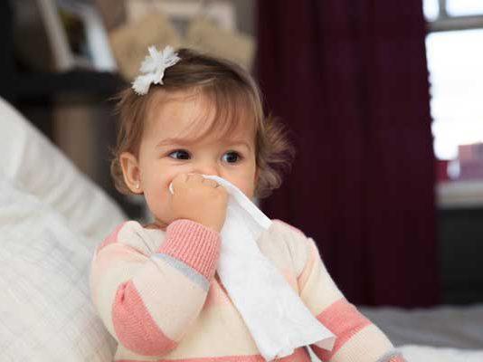 سرماخوردگی یا آنفولانزا در نوزاد ؛ علائم نگران کننده و راهکارها
