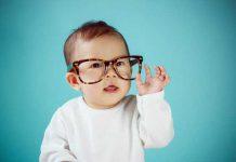 سلامت چشم و بینایی نوزاد را چگونه آزمایش کنیم؟