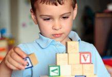 علائم اوتیسم در کودکان و مشکلات ناشی از آن