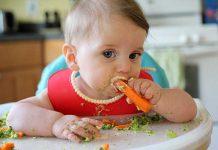 آموزش جویدن غذا به کودک
