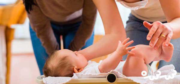 آنچه مادران باید درباره وزن گیری نوزاد بدانند