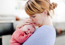 اهمیت در آغوش گرفتن نوزاد