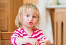 با لجبازی کودکان دو ساله چگونه برخورد کنیم؟