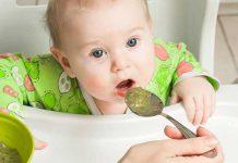 به نوزادی که تازه شروع به غذا خوردن کرده چه غذایی بدهیم؟