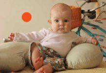 بچه ۷ ماهه ام هنوز نمی نشیند ؛ باید نگران باشم؟