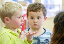 تفاوت کودک درون گرا با خجالتی در چیست؟