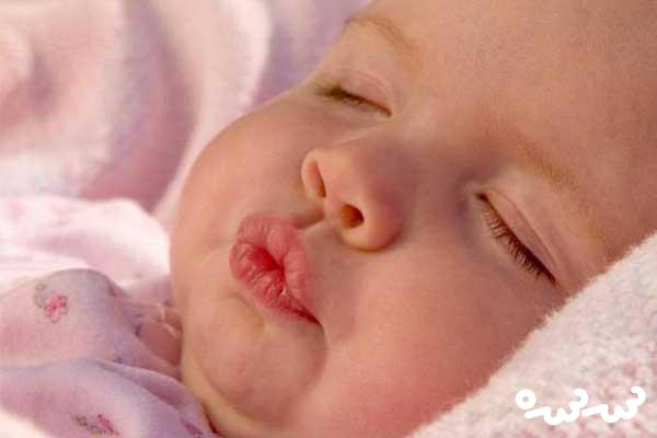 درمان ترک خوردن لب کودک