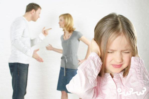 دعوای بین والدین روی سلامت فرزند تاثیر می گذارد