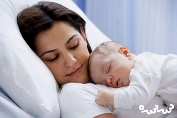 روزهای اول حضور نوزاد در خانه پس از زایمان