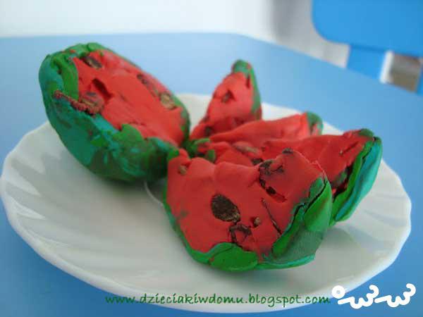 چگونه هندوانه با خمیر بسازیم