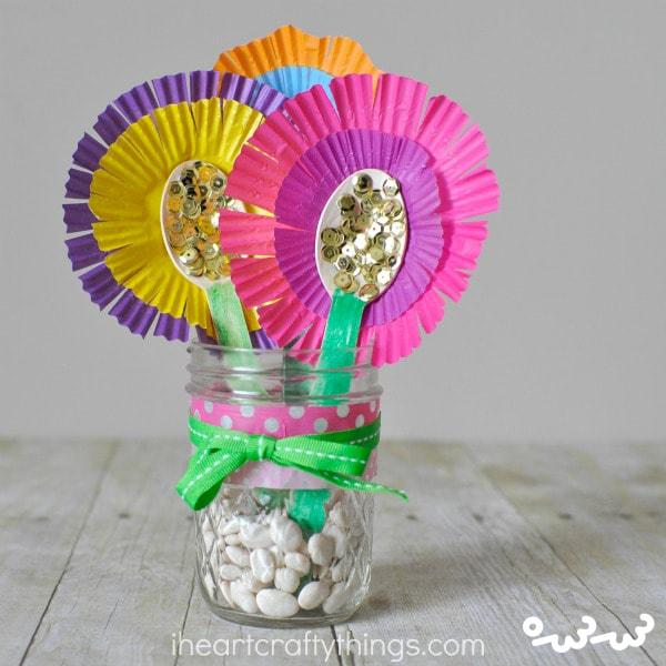 دسته گل برای روز معلم