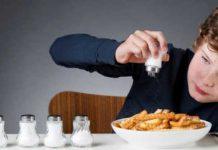 ضرر مصرف نمک برای کودکان