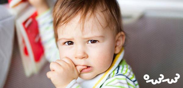 علت ناخن جویدن کودکان و راه درمان