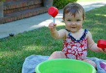 ۸ بازی و فعالیت حسی مفید برای بچه های نوپا