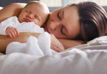 فواید خوابیدن نوزاد کنار والدین