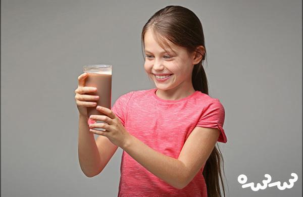 فواید و مضرات شیر کاکائو برای کودکان