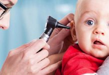 نشانه هاى کودک کم شنوا چیست؟