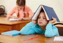 چگونه انجام تکالیف را برای کودک یک عمل دوست داشتنی، کنیم؟
