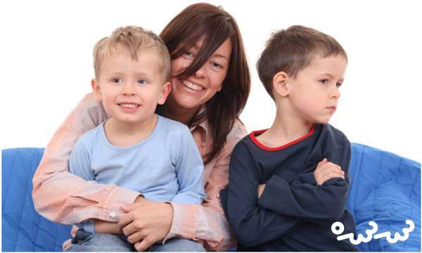۴ راهکار مفید برای جلوگیری از حسادت کودکان