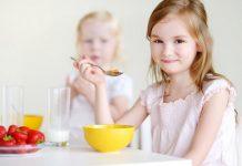 ۷ راهکار برای آموزش تغذیه سالم به کودک