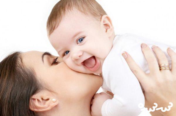 ۷ فایده شیر مادر برای کودک