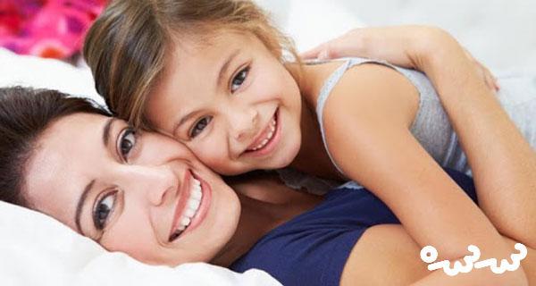 ۷ نشانه از والدینی که محبت افراطی دارند