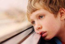 ۹ علامت هشدار دهنده اوتیسم که والدین باید بدانند
