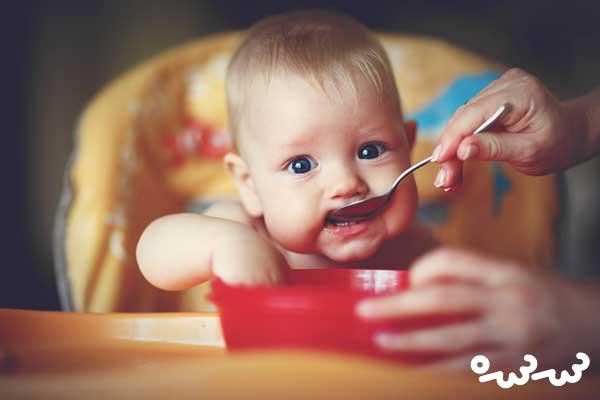 ۹ غذای عجیب که نوزادان سراسر جهان می خورند