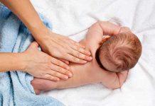 ماساژ بدن نوزاد: این درمان را یاد بگیرید