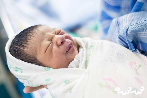 ۹ واکنش عجیب نوزاد در شکم مادر