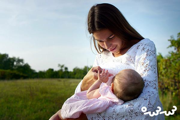 آیا شیر خوردن نوزاد در خواب ضرر دارد؟