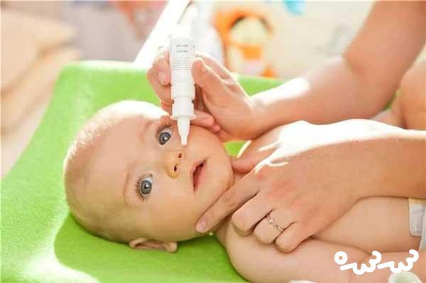 چند راهکار برای تمیز کردن بینی نوزاد