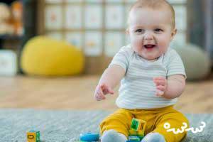 آموزش بازی کردن با نوزاد