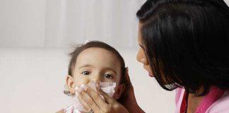 ۵ درمان سریع خانگی برای گرفتگی بینی کودک
