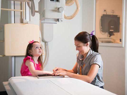 فواید تشخیص سن استخوانی کودک به وسیله اشعه ایکس