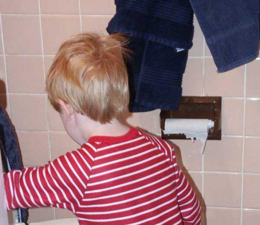 بهترین روش های آموزش توالت رفتن به کودک