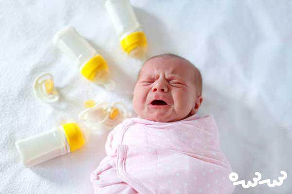 کف کردن دهان نوزاد در خواب ؛ نکاتی که باید بدانید
