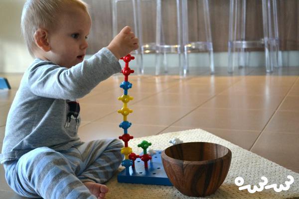 ساختن برج و بازی تعاملی با کودکان