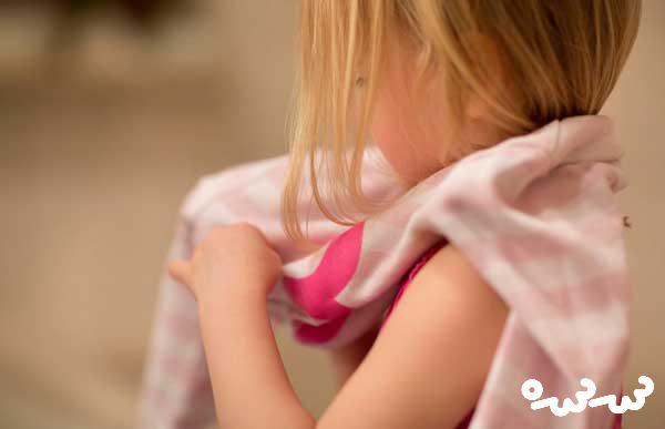 انتخاب لباس توسط خود کودک