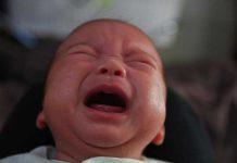 علت بی قراری و گریه نوزاد در شب چیست؟