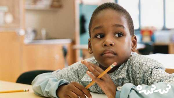 کودک خجالتی در مدرسه