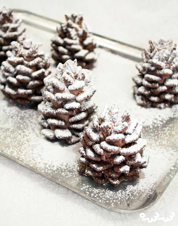 شکلات با طعم میوه کاج! عصرانه زمستانی