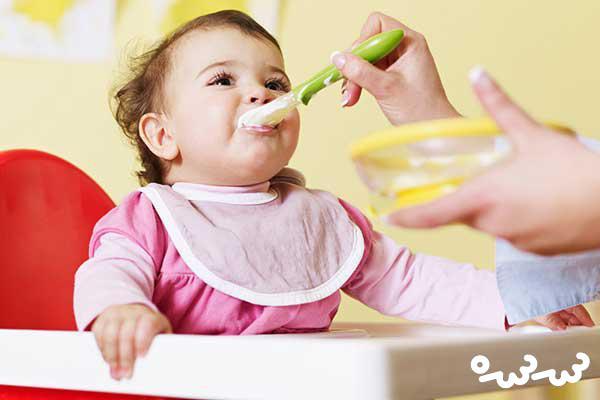 ادویه ریختن در غذای کودک از چه سنی