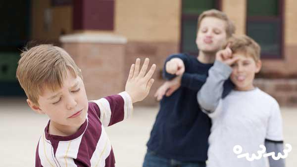 مقابله با قلدرهای مدرسه