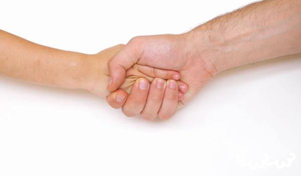 عرق کردن کف دست کودکان نشانه چیست
