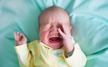 کم آبی بدن نوزاد و کودک ؛ علائم و درمان های خانگی