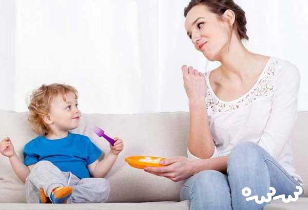 چگونه کودک را وادار به غذا خوردن کنیم