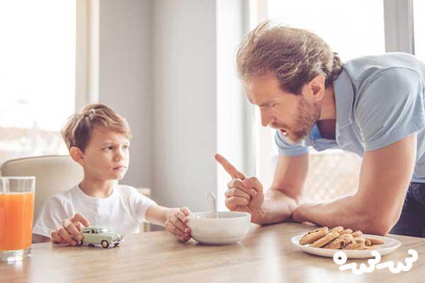 طریقه رفتار با کودک حرف گوش نکن