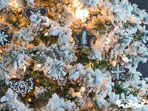 ساخت درخت کریسمس با وسایل دور ریختنی