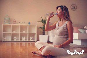مقدار مصرف آب در بارداری چقدر باید باشد؟